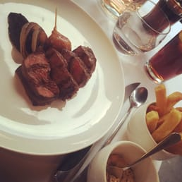 Steak with bearnaise and frites