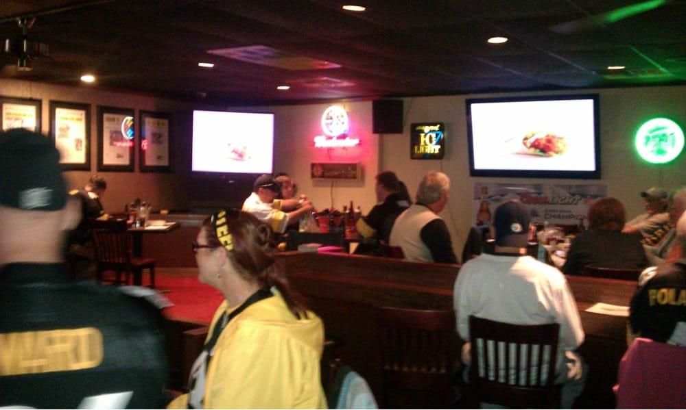 Locker Room Sports Bar And Grill