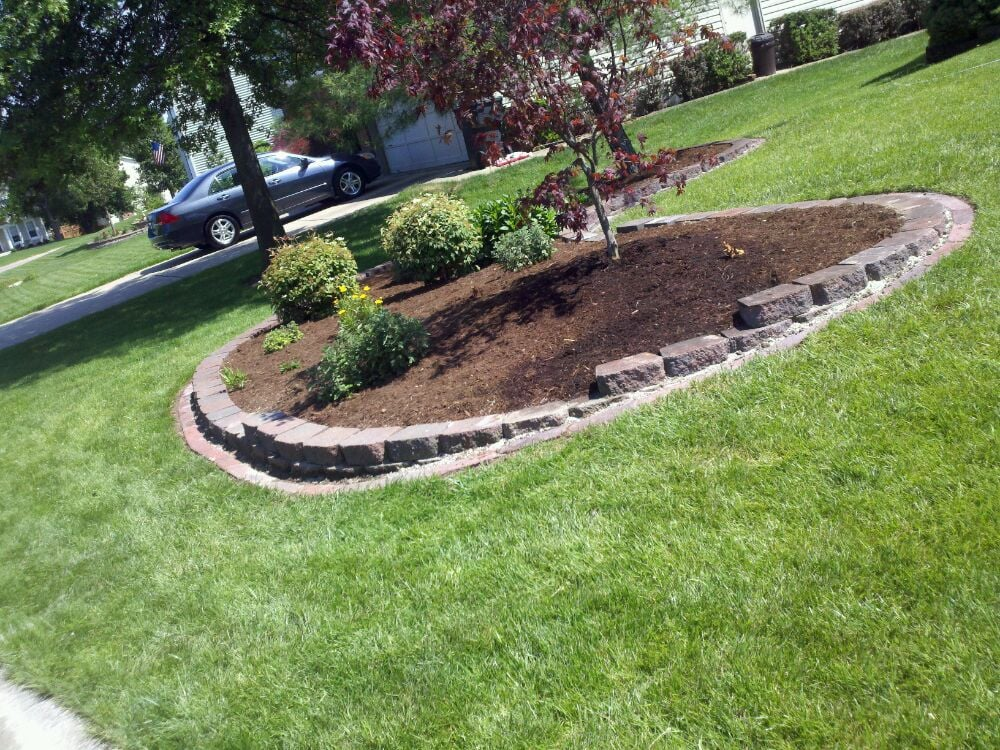 Landscape Pavers Edging : Retaining wall with bullet paver edging yelp