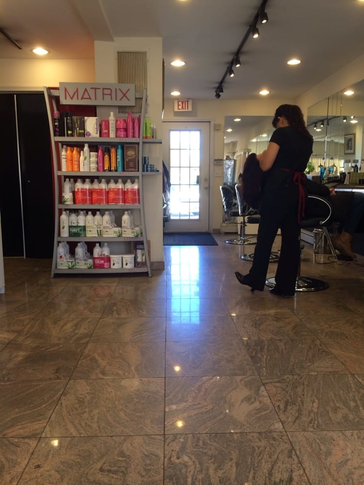 Cosmo beauty salon fris rsalonger 22 w old country rd for Beauty salon usa