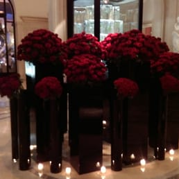 Valrntines decorations at the four seasons. Smell the roses
