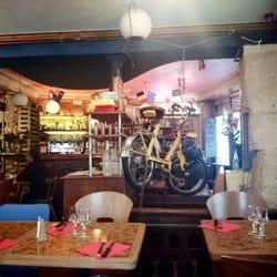 L'Abribus Café, Paris