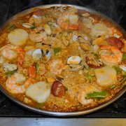 The Old Town Farm Inn - Chester, VT, États-Unis. Paella marisco with advanced ordering