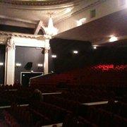 Méga CGR Le Français - Bordeaux, France. La Salle 1 ! La plus grande, décorée de lustres et de peintures au plafond; avec une immense estrade et énormément de places !