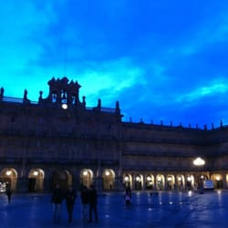 Amaneciendo en la Plaza Mayor de Salamanca