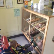 Red's Donuts - The best seat in the house. - Monterey, CA, Vereinigte Staaten