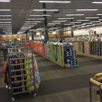 Dsw Designer Shoe Warehouse 12 Reviews 18 Photos Shoe Stores Northwest Columbus Oh