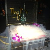 Three Dots and a Dash - Treasure chest - Chicago, IL, Vereinigte Staaten