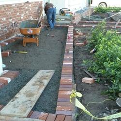 GreenCali - Buena Park, CA, États-Unis. red brick banding