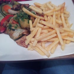 Schweineschnitzel mit Pommes Paprika und…