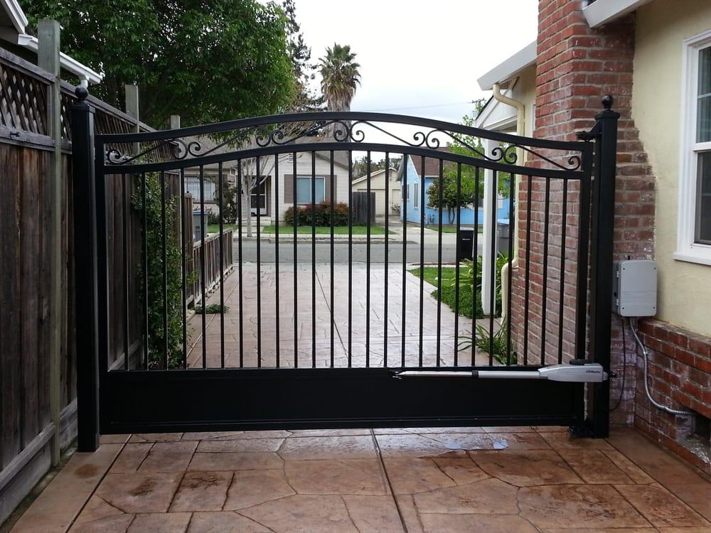 Single swing gate with motor operation yelp
