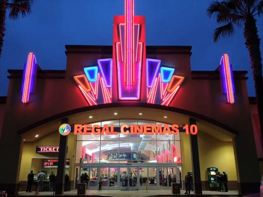 Regal cinemas modesto stadium 10 cinema modesto ca for Riverbank theater