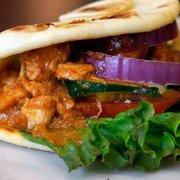 City Market - Curry Chicken on naan bread - Memphis, TN, Vereinigte Staaten