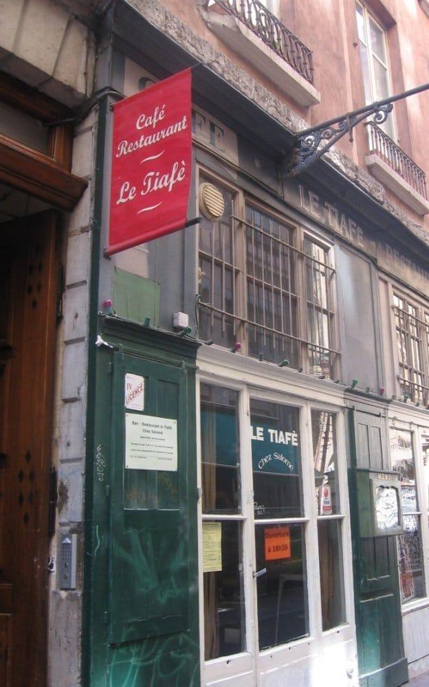 le tiaf geschlossen afrikanisches restaurant pentes de la croix rousse lyon frankreich. Black Bedroom Furniture Sets. Home Design Ideas