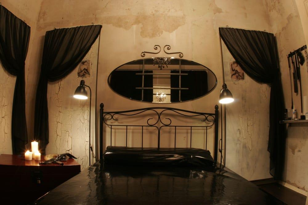 erwachsenen spielzimmer yelp. Black Bedroom Furniture Sets. Home Design Ideas