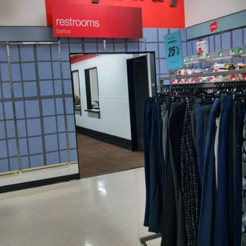 Kmart closed department stores 6000 nw hwy crystal for Kmart shirts for employees