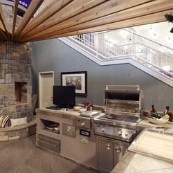 Outdoor Living: Outdoor Kitchens,