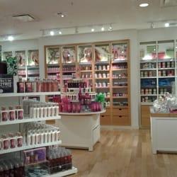 Bath Body Works Cosmetics Beauty Supply Fairview Mall Toron