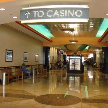Seneca niagara casino amp hotel entry hall of casino niagara falls