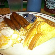 Newcomb Farms Family Restaurant - New England Breakfast of French toast, 2 eggs and sausage links. - Milton, MA, Vereinigte Staaten