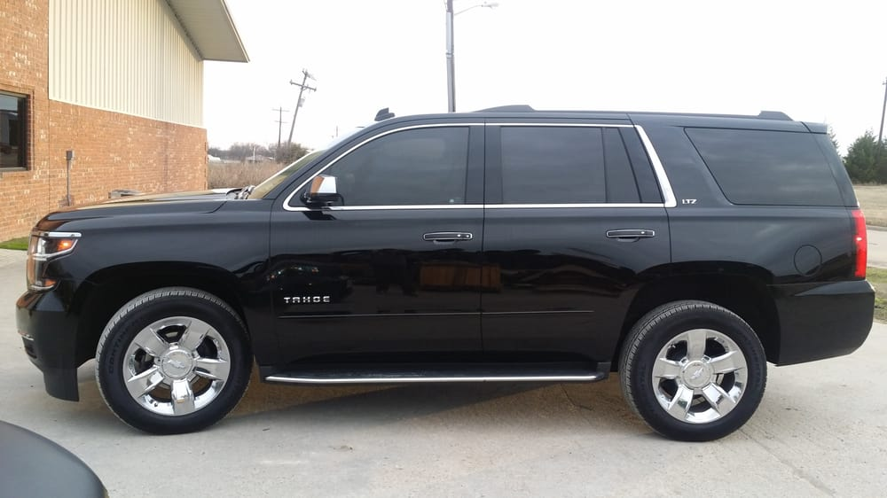 chevrolet moreover Chevrolet Avalanche 15002500 Driver Left Side Mirr B00498f5cw together with Photo 01 in addition New 2019 Chevy Silverado Debuts Diesel Engine 450 Lbs Lighter additionally Twelve Undocumented Immigrants Near Mexico Border Jammed SUV Painted Look Like Border Patrol Vehicle. on 01 chevy tahoe