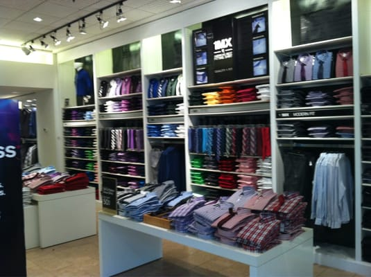 Express Clothing Store Express store area for Men