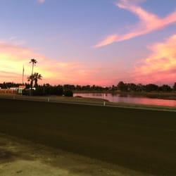 CalExpo Harness Racing - CalExpo racetrack at dusk. - Sacramento, CA, Vereinigte Staaten