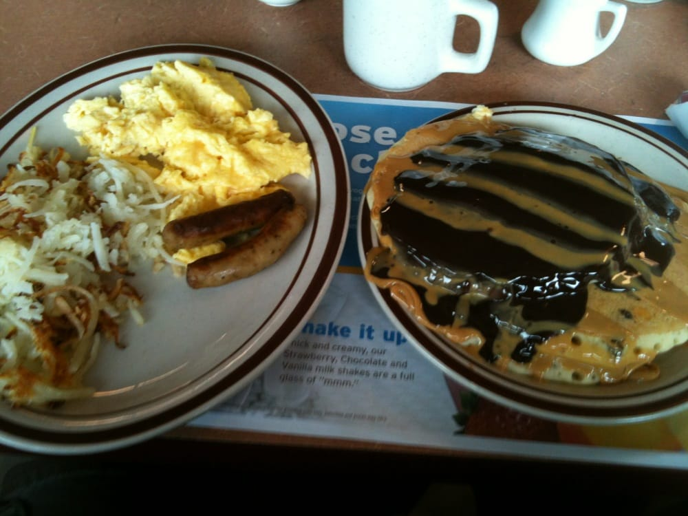 Bordentown (NJ) United States  city photos gallery : Denny's Bordentown, NJ, United States. Peanut butter cup pancake ...