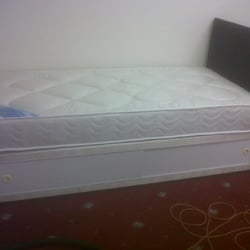 OXFORD SINGLE DIVAN BED WITH 8 INCH MATTRESS COVERED IN A CREAM DAMASK FABRIC .. SINGLES £95.00 DOUBLES £130 AND KING SIZE
