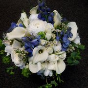 The Gilded Lily - Come in and visit with Toi for your wedding flowers. - Spokane, WA, Vereinigte Staaten