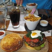 B Bar - Wild Boar Burger and side of Thick Cut Chips - London, Vereinigtes Königreich