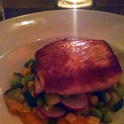 Lumber Yard - Crisply seared Salmon over a corn and edemame succotash with a sweet squash puree - Amherst, MA, Vereinigte Staaten