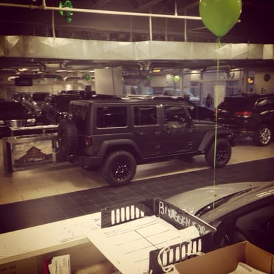 Major World Chrysler Dodge Jeep Ram Car Dealers Long