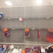 Target - Good thing I didn't actually want to buy any kind of broom or mop - Houston, TX, Vereinigte Staaten