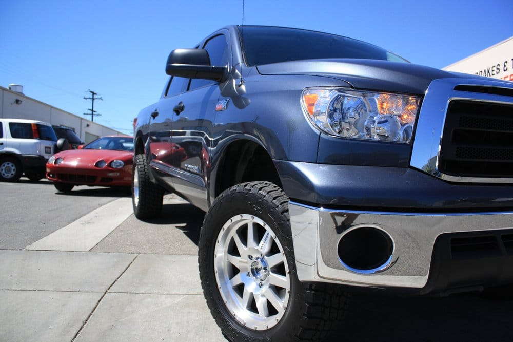 Method Racing Wheels On 2010 Toyota Tundra With Nitto