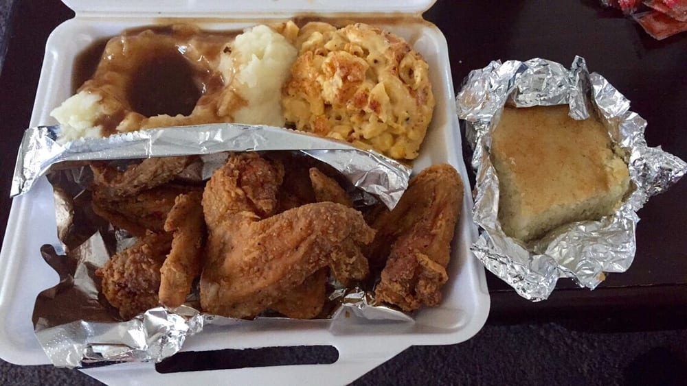 Fried chicken wings cornbread muffin macaroni and cheese for Motor city soul food southfield michigan