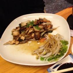 Hühnchen mit gebratenem Gemüse (33)