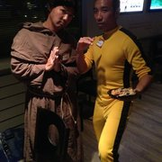 Yelp's Spooktacular Halloween Bash - Monk and Bruce lee. - Phoenix, AZ, Vereinigte Staaten