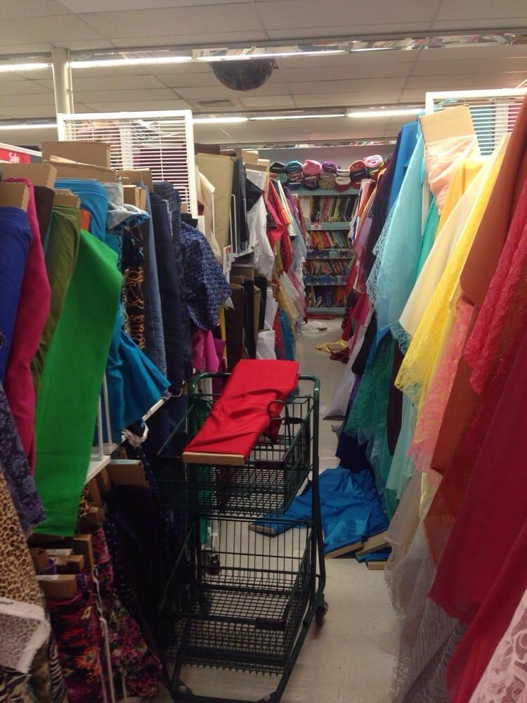 Joann fabrics fabric stores 19883 brookhurst st for Joann craft store near me