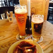 Weisen, Bier Hell (blonde) and pretzel