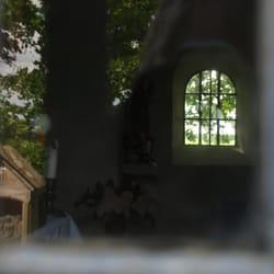 heimlicher Blick ins Innere der Kapelle