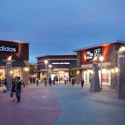Get all of the deals, sales, offers and coupons here to save you money and time while shopping at the great stores located at Phoenix Premium Outlets®.