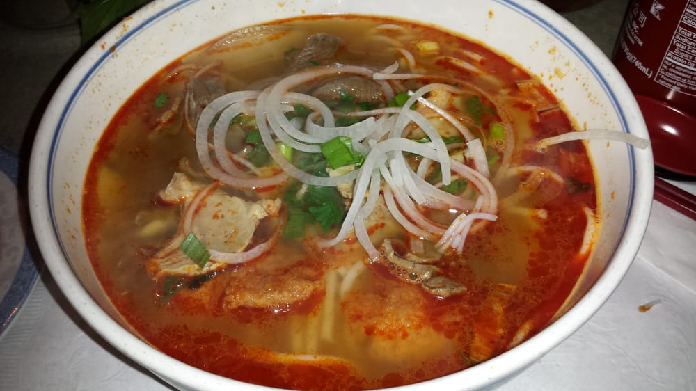 ... hue: cooked sliced beef, pork and fish cake in spicy thick rice noodle