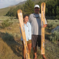 Community Skis - Customers with skis.  Pictures of several species of Eastern Sierra trout - Mammoth Lakes, CA, Vereinigte Staaten