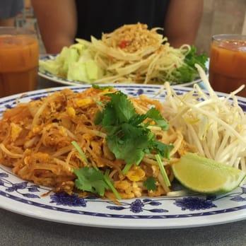 Thai Lovers - San Jose, CA, United States. Pad Thai #8 & Green Papaya ...