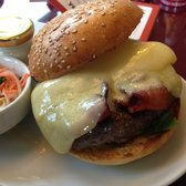 Classic Burger mit Bacon und Swiss Alpine Cheese