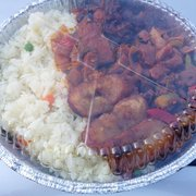 Belmont Vegetarian Restaurant - White Rice with BBQ, Sweet n Sour, Pepper Steak, and Fried Plantain! It's A Yummy For Your Tummy!! - Worcester, MA, Vereinigte Staaten