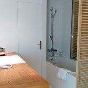 La Maison Troisgros - Roanne, Loire, France. La salle de bain