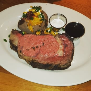 Dec 06, · Black Angus Steakhouse has built a reputation on providing an American Steakhouse experience to remember. Our Chefs are proud to serve Black Angus steaks carefully aged a minimum of 21 days, fresh-cut daily, and grilled over an open flame.3/5().