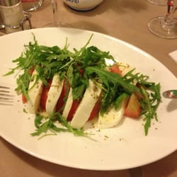 Insalata caprese (not good)